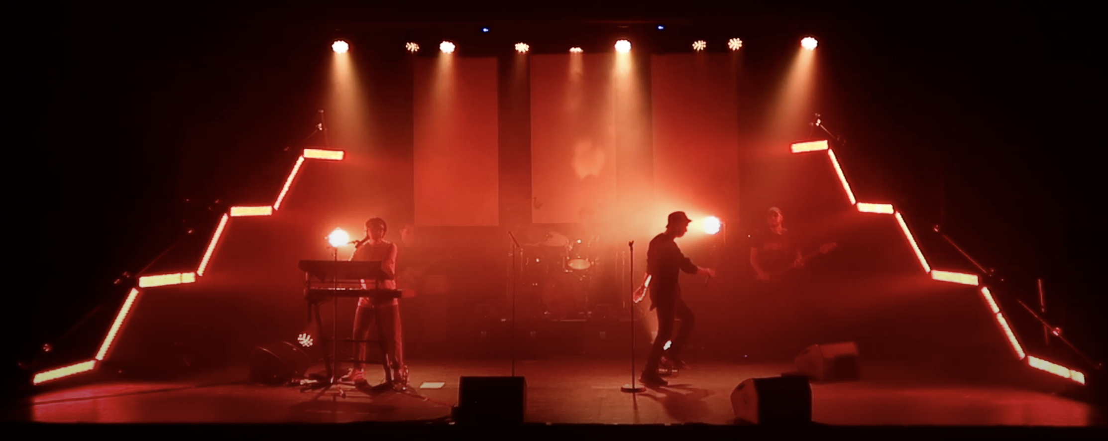 ÎVA live on stage - from the Nordic Remix case video